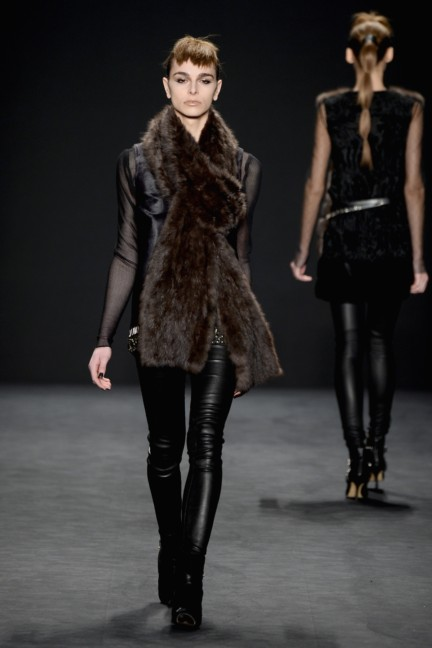 aw-2014_mercedes-benz-fashion-week-new-york_us_carmen-marc-valvo_44907