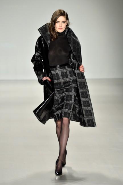 aw-2014_mercedes-benz-fashion-week-new-york_us_pamella-roland_45399