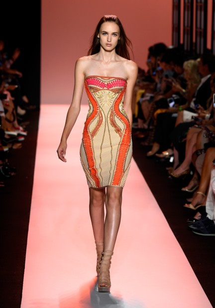 ss-2015_mercedes-benz-fashion-week-new-york_us_herve-leger-by-max-azria_50573