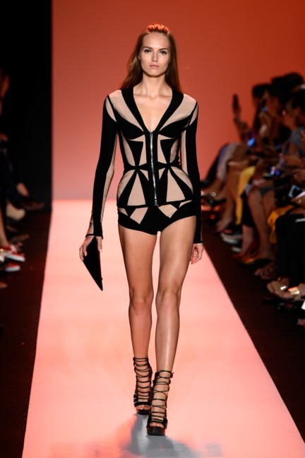 ss-2015_mercedes-benz-fashion-week-new-york_us_herve-leger-by-max-azria_50579