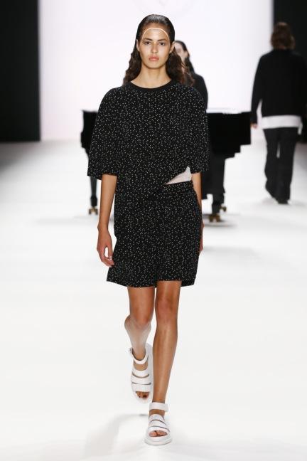 ss-2017_fashion-week-berlin_de_0007_odeur_65388
