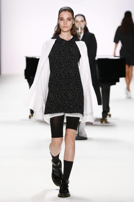 ss-2017_fashion-week-berlin_de_0009_odeur_65386