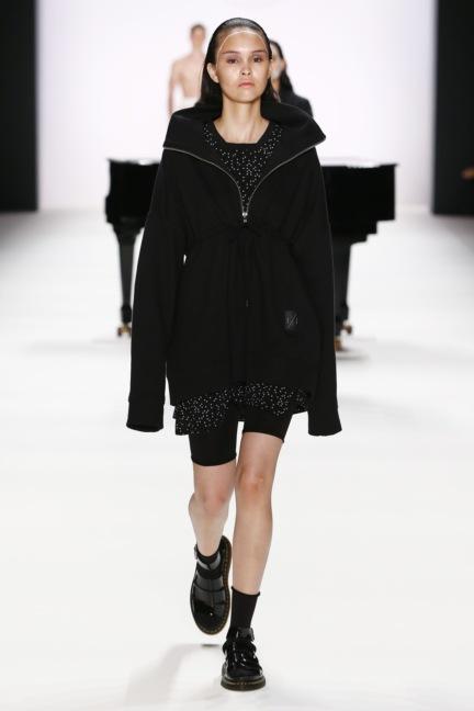 ss-2017_fashion-week-berlin_de_0010_odeur_65385