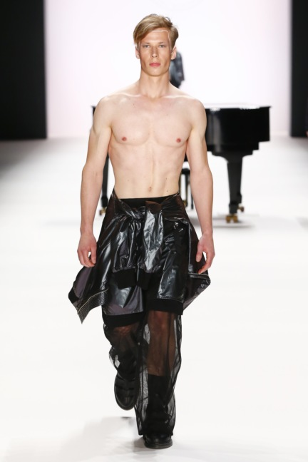 ss-2017_fashion-week-berlin_de_0030_odeur_65365