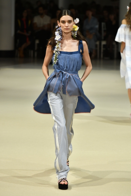 alexis_mabille_ss18_look10_0597