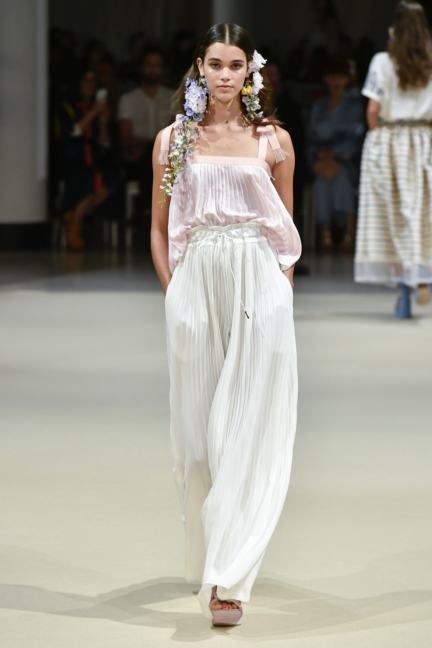 alexis_mabille_ss18_look_03
