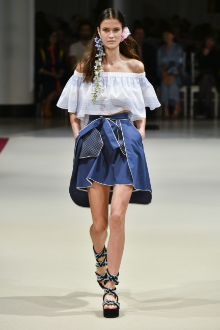 alexis_mabille_ss18_look_15