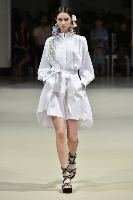 alexis_mabille_ss18_look_16