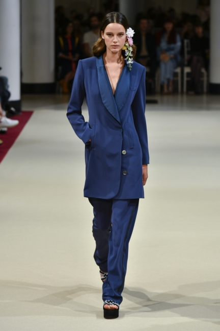 alexis_mabille_ss18_look_25