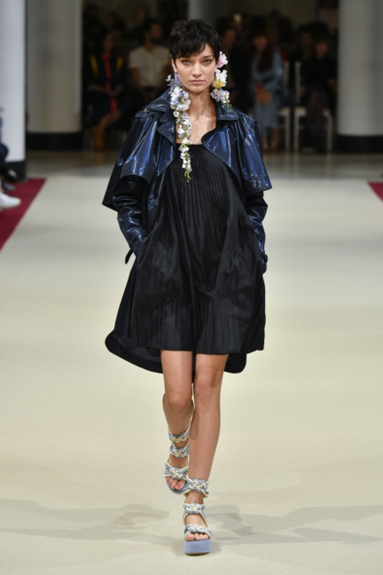 alexis_mabille_ss18_look_33