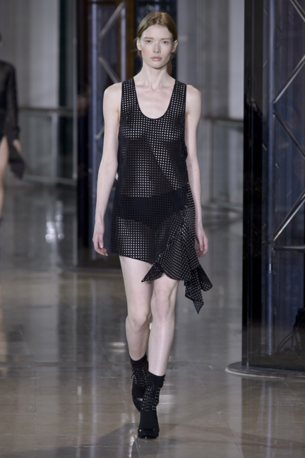 a-vaccarello_look-20_aw16_pw