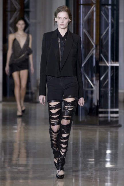 a-vaccarello_look-23_aw16_pw
