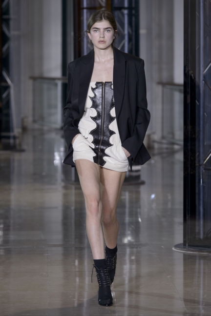 a-vaccarello_look-36_aw16_pw