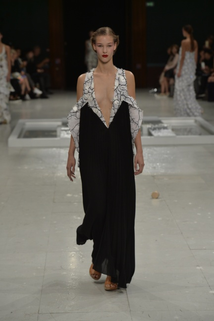 chalayan-paris-fashion-week-spring-summer-2015-41