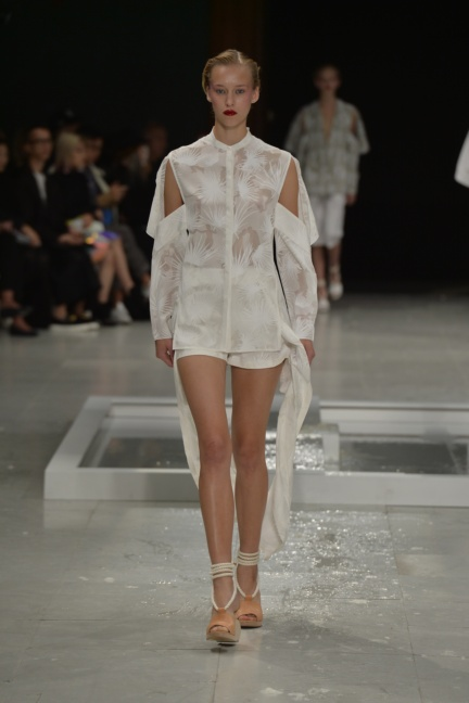 chalayan-paris-fashion-week-spring-summer-2015-50