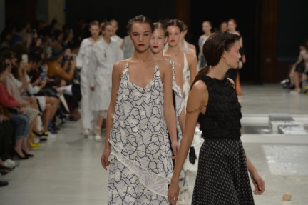 chalayan-paris-fashion-week-spring-summer-2015-62