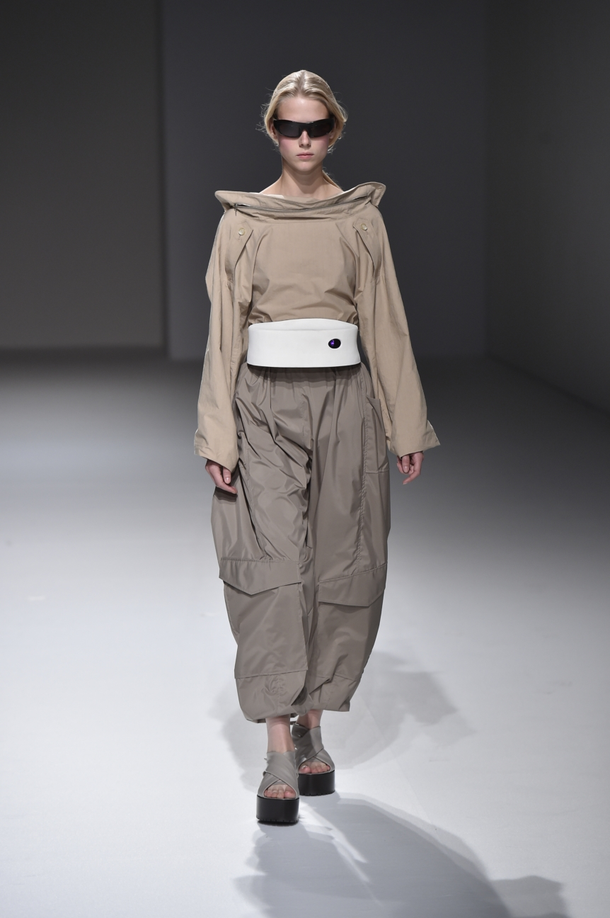 chalayan-look-16