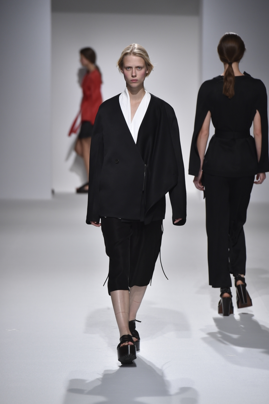 chalayan-look-32