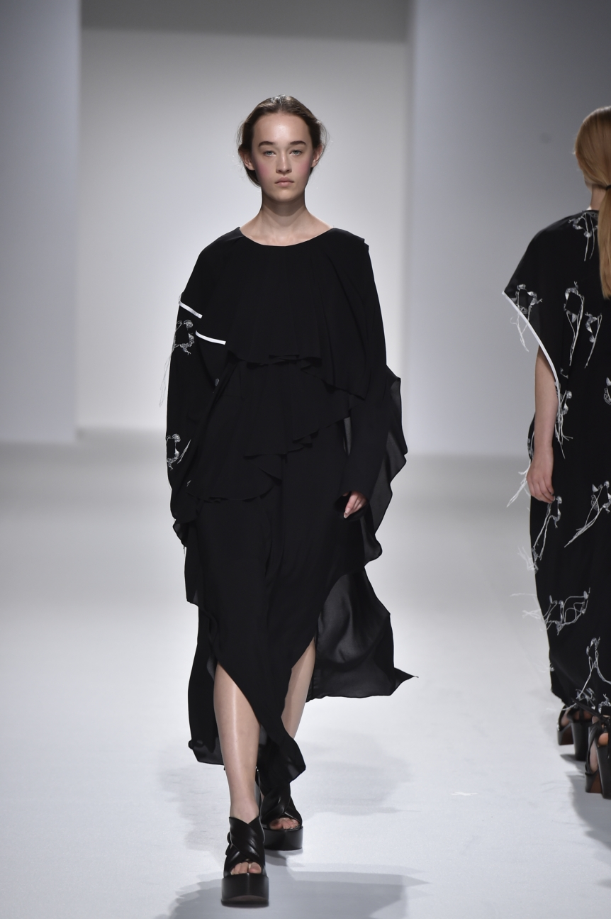 chalayan-look-35