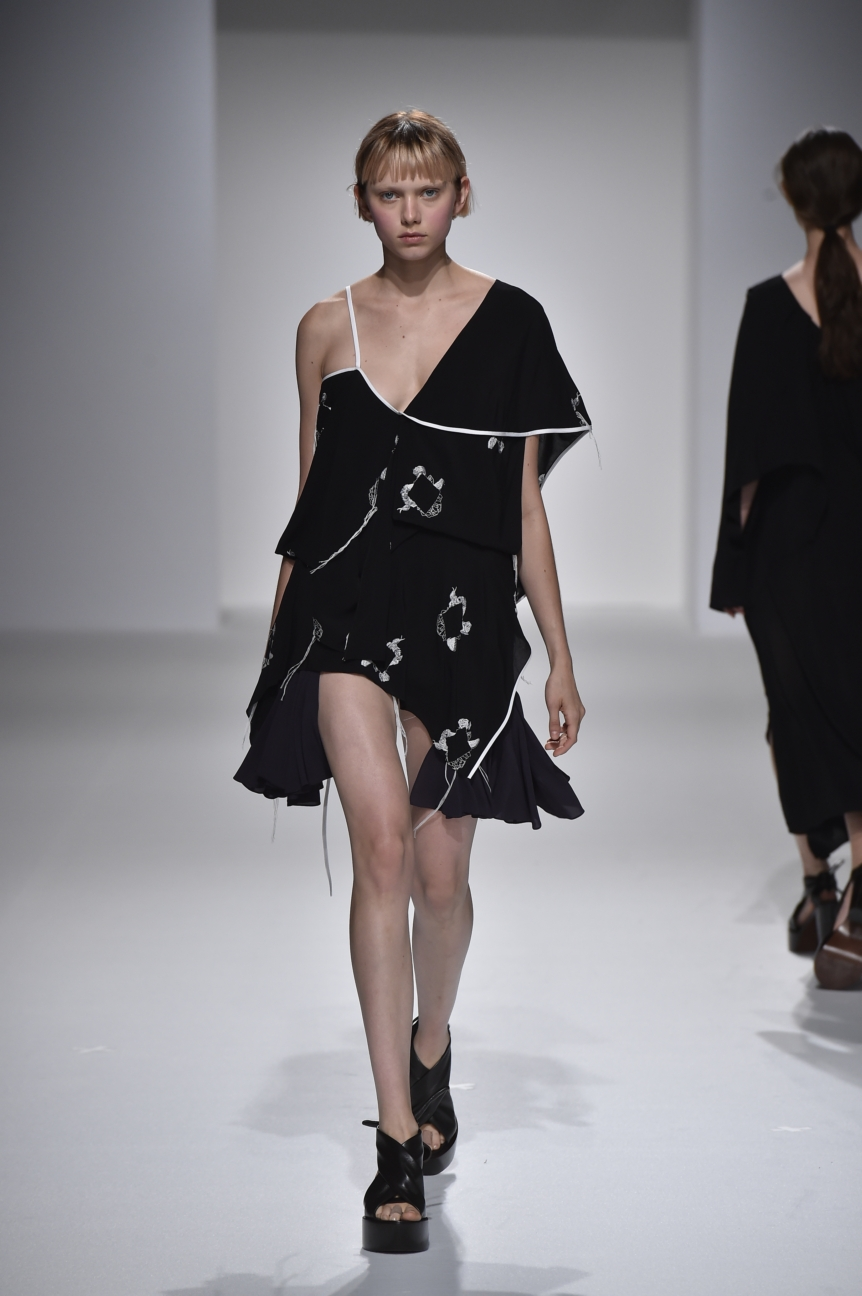 chalayan-look-36