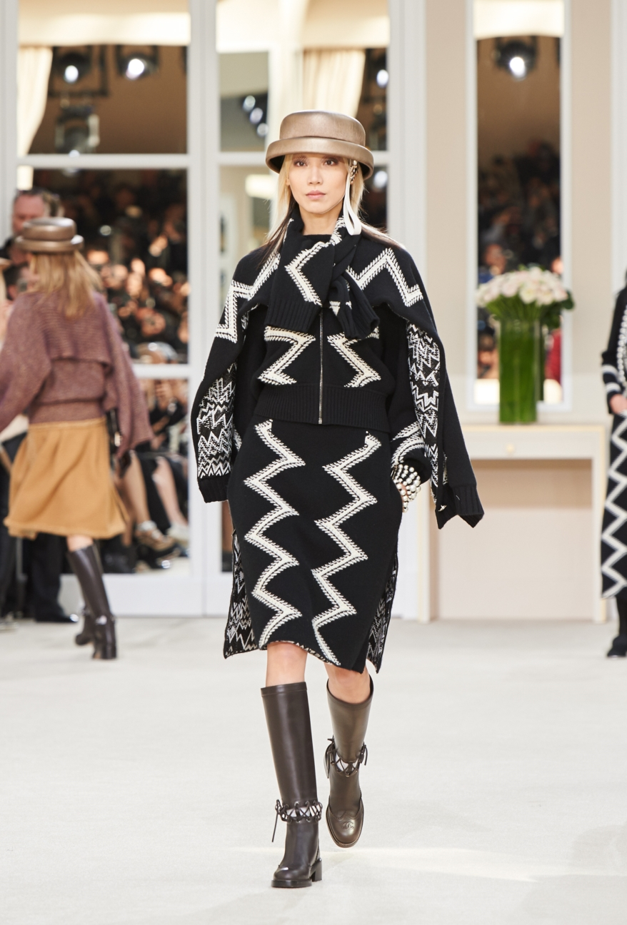 chanel-paris-fashion-week-autumn-winter-2016-runway-21