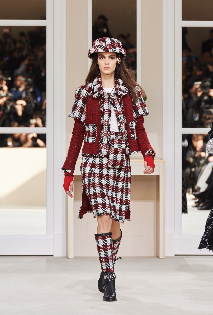 chanel-paris-fashion-week-autumn-winter-2016-runway-24