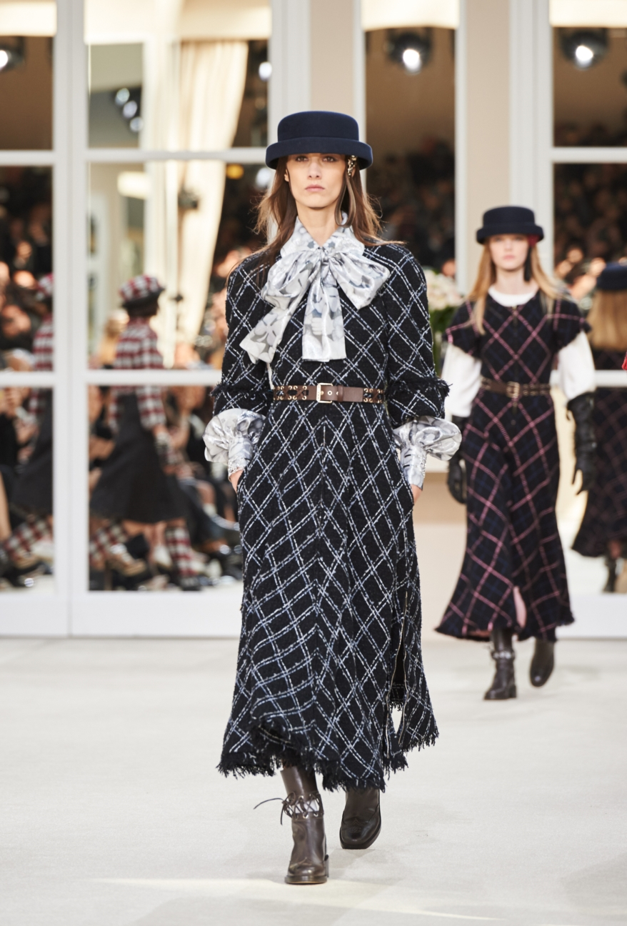 chanel-paris-fashion-week-autumn-winter-2016-runway-25