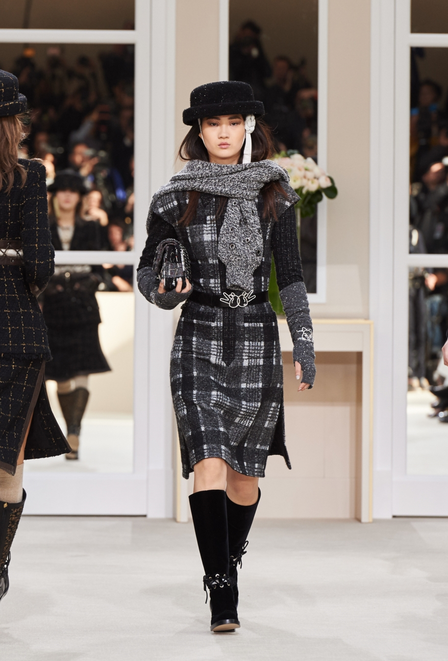 chanel-paris-fashion-week-autumn-winter-2016-runway-30