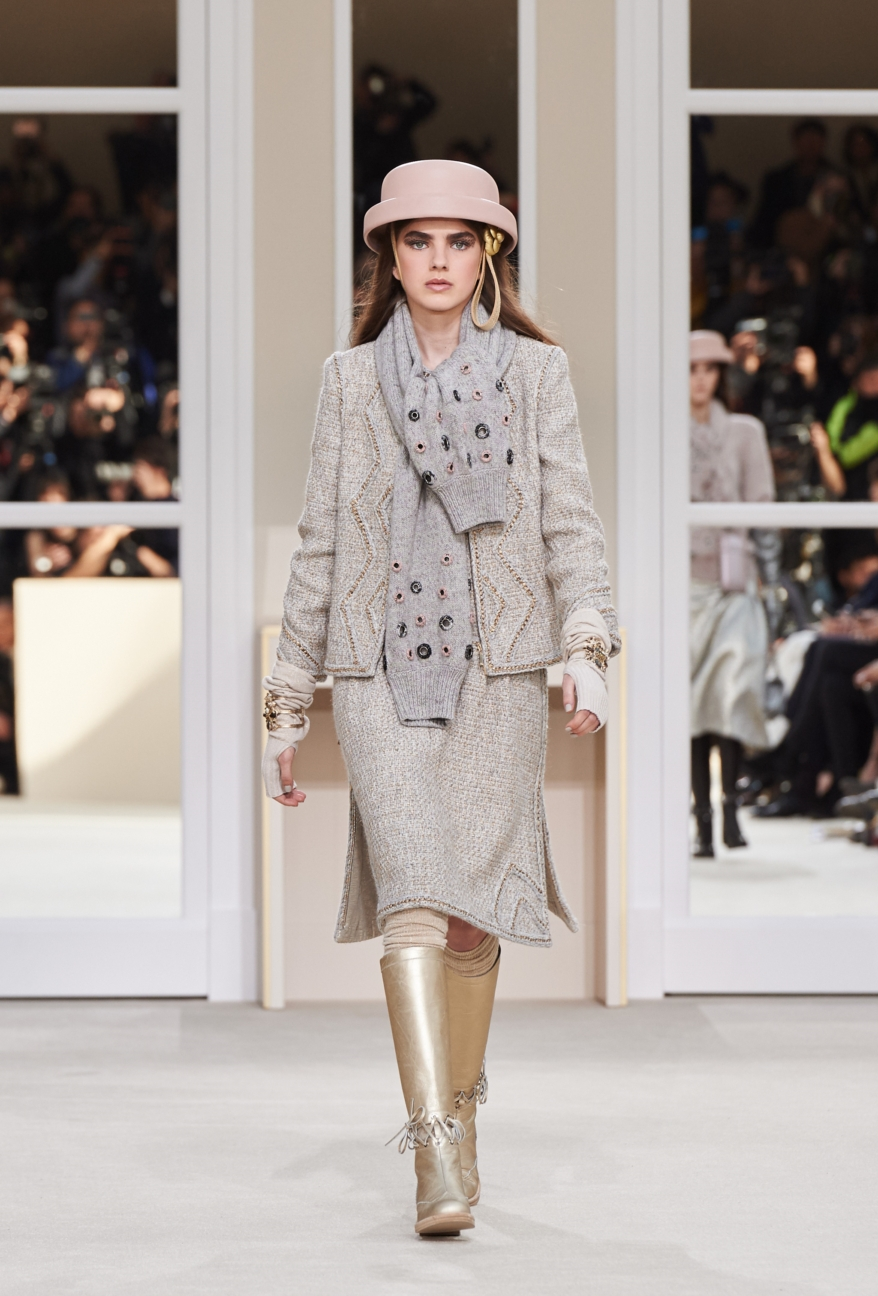 chanel-paris-fashion-week-autumn-winter-2016-runway-38