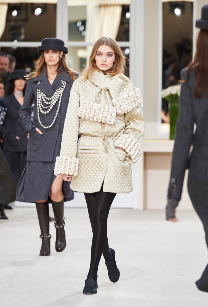 chanel-paris-fashion-week-autumn-winter-2016-runway-39