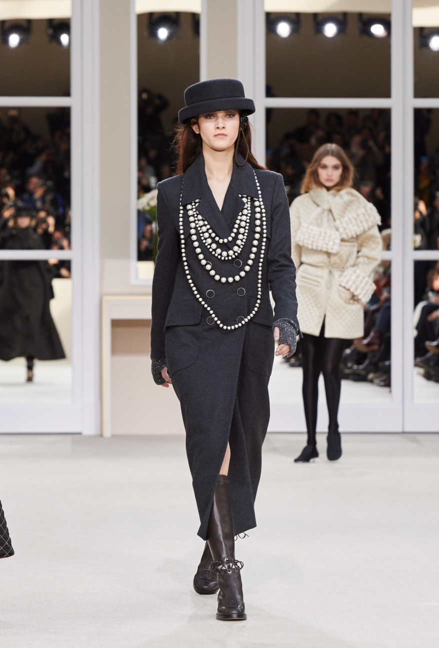 chanel-paris-fashion-week-autumn-winter-2016-runway-40