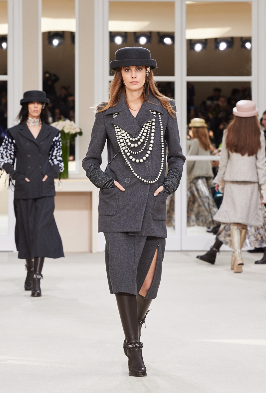 chanel-paris-fashion-week-autumn-winter-2016-runway-42