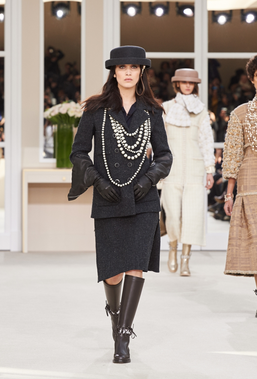 chanel-paris-fashion-week-autumn-winter-2016-runway-48