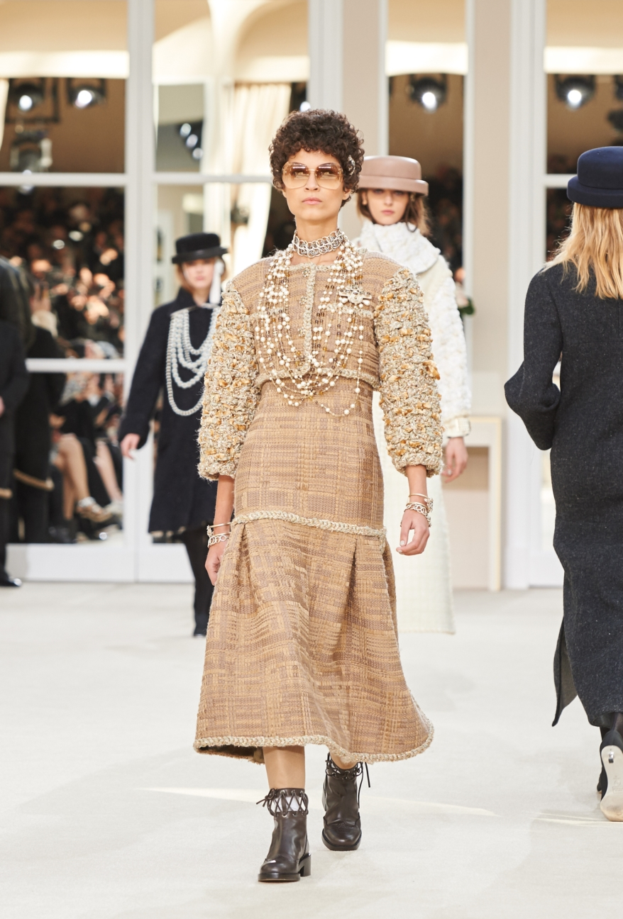 chanel-paris-fashion-week-autumn-winter-2016-runway-49