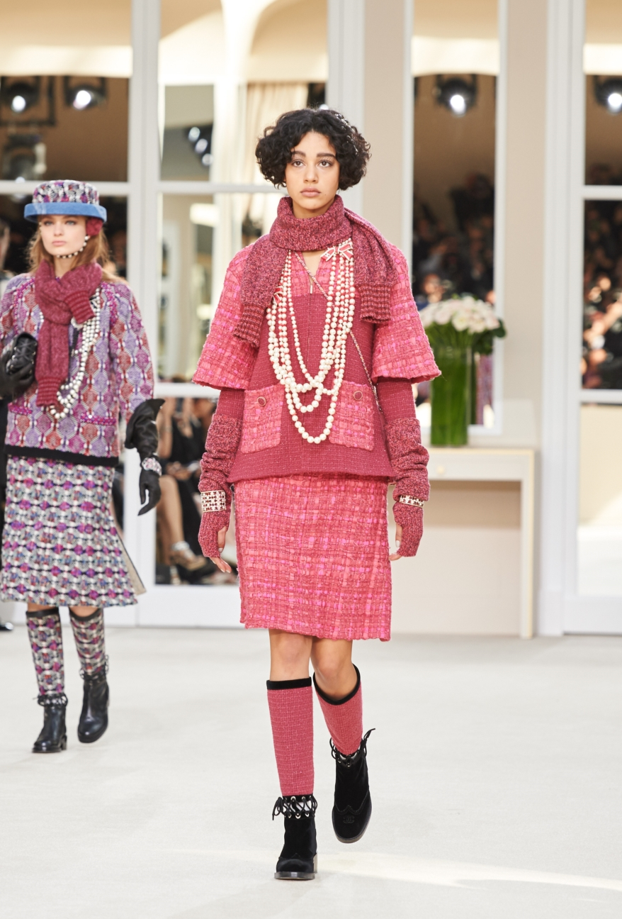 chanel-paris-fashion-week-autumn-winter-2016-runway-5