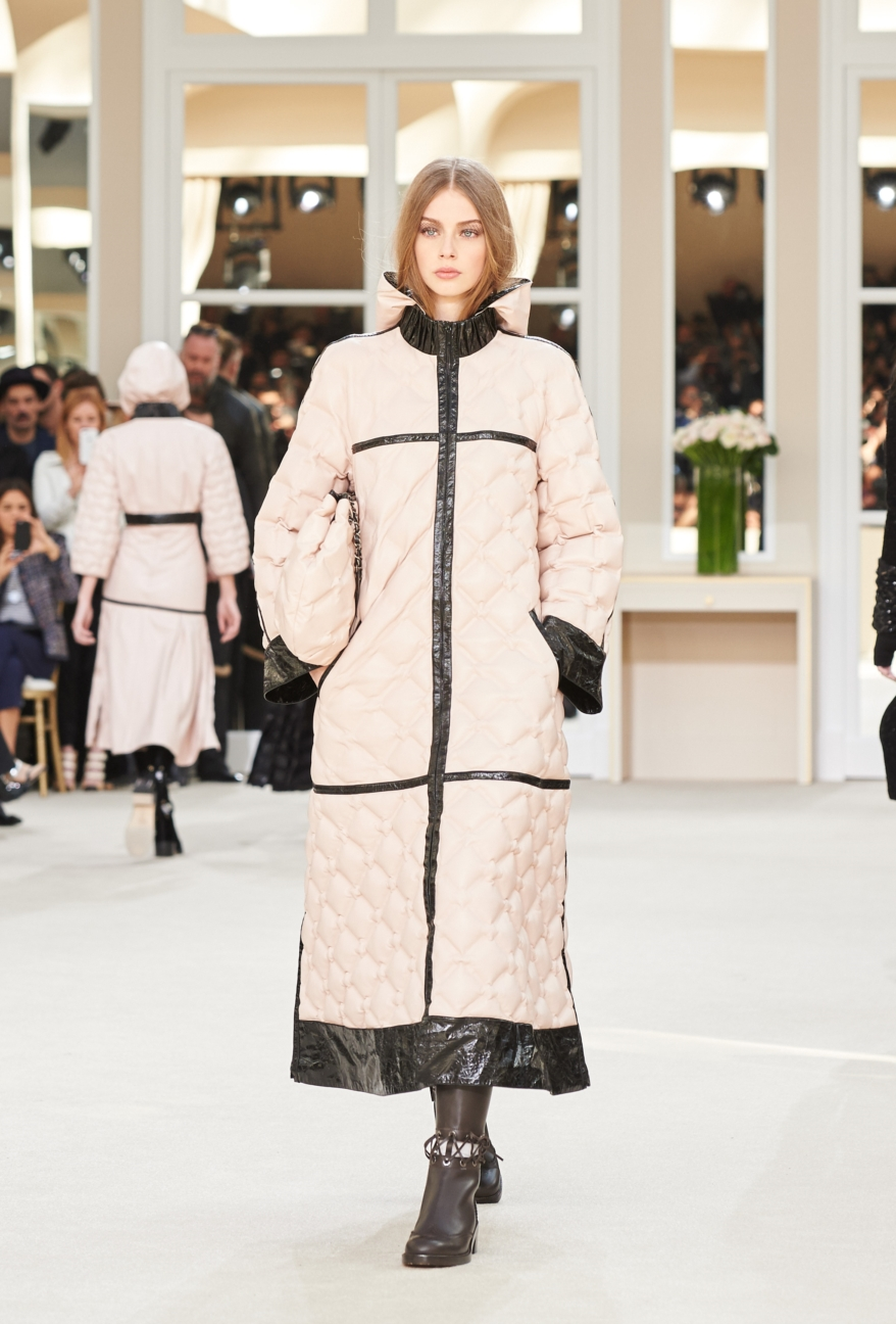 chanel-paris-fashion-week-autumn-winter-2016-runway-55
