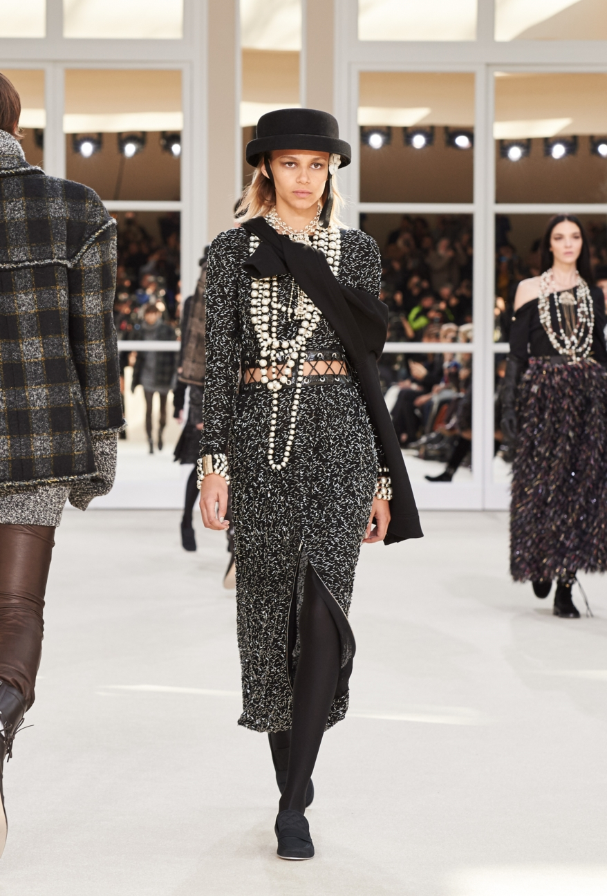 chanel-paris-fashion-week-autumn-winter-2016-runway-78