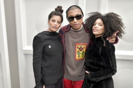 53_ibeyi-and-pharrell-williams_fall-winter-2017-18-ready-to-wear-collection
