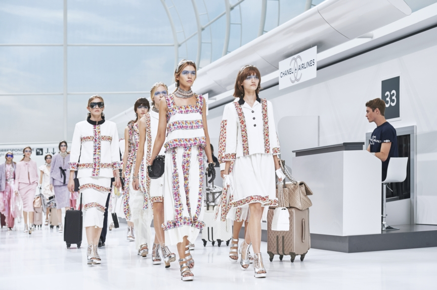 chanel-paris-fashion-week-spring-summer-2016-rtw-final-pictures-by-olivier-saillant-001-3