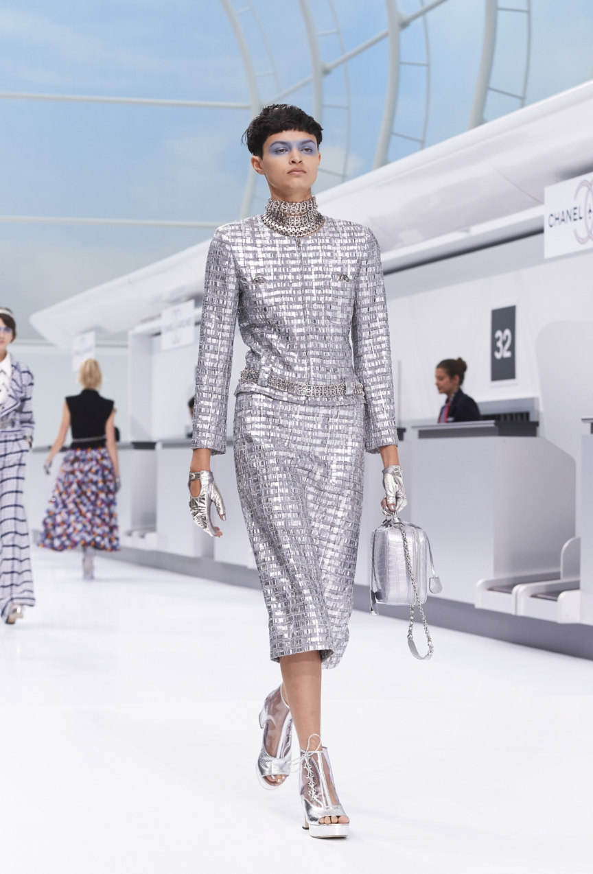 chanel-paris-fashion-week-spring-summer-2016-show-12