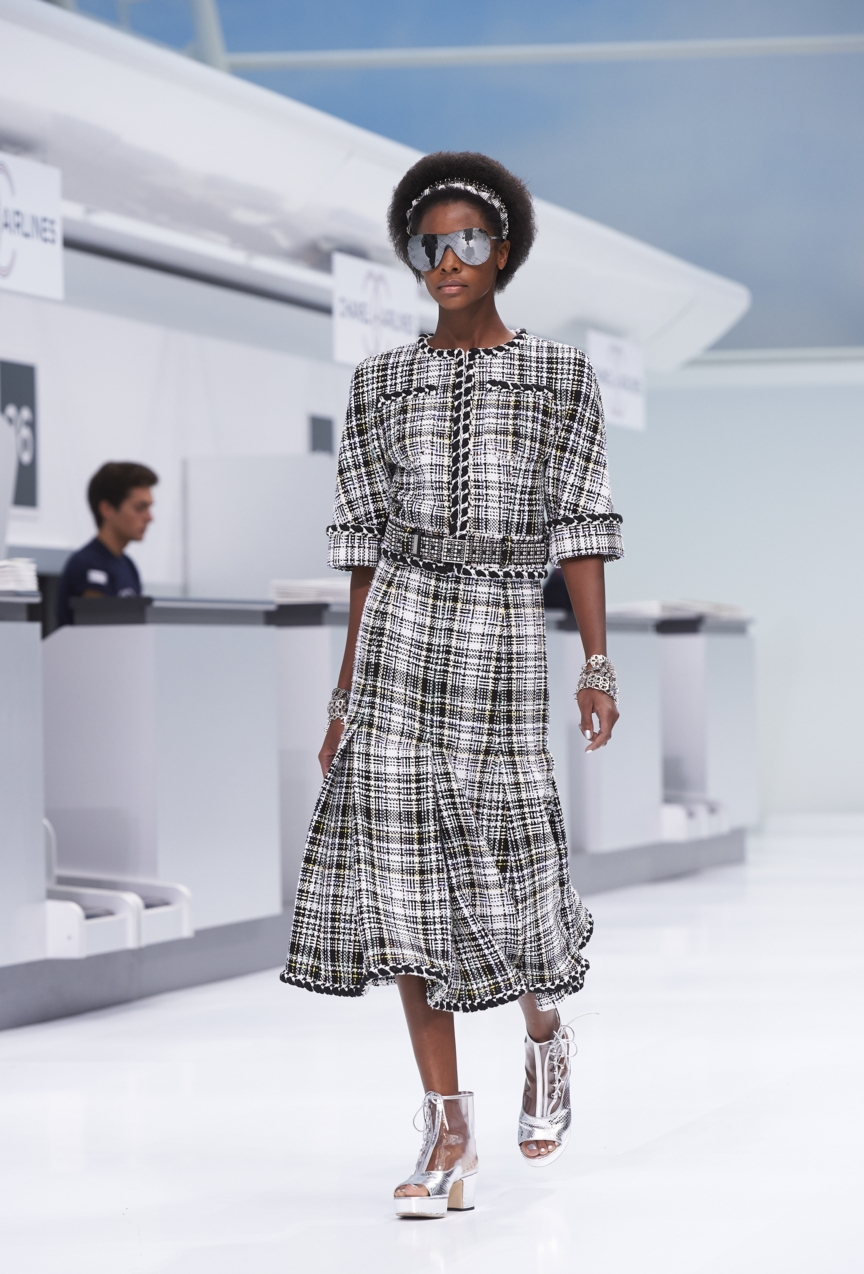 chanel-paris-fashion-week-spring-summer-2016-show-15