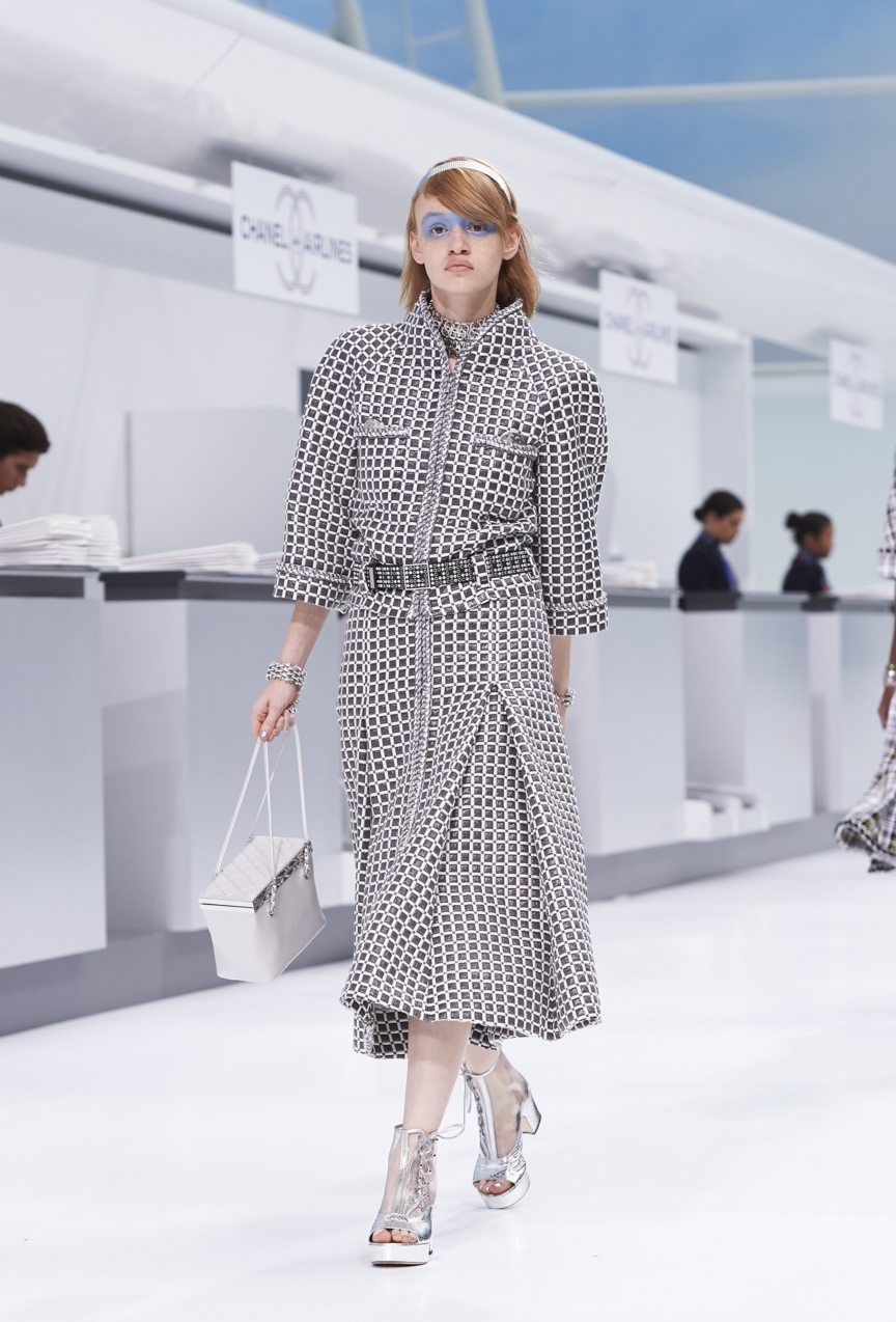 chanel-paris-fashion-week-spring-summer-2016-show-17