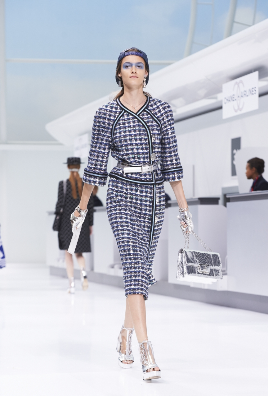 chanel-paris-fashion-week-spring-summer-2016-show-18