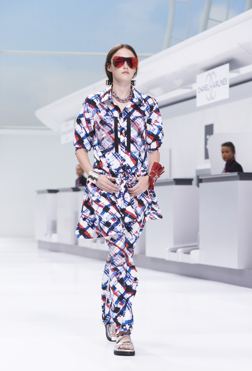 chanel-paris-fashion-week-spring-summer-2016-show-22