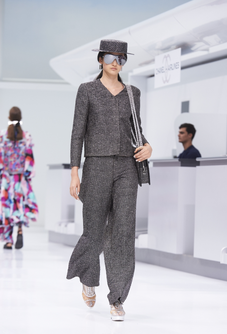 chanel-paris-fashion-week-spring-summer-2016-show-38