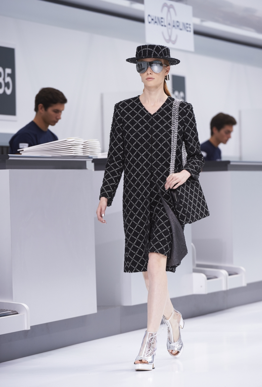 chanel-paris-fashion-week-spring-summer-2016-show-39