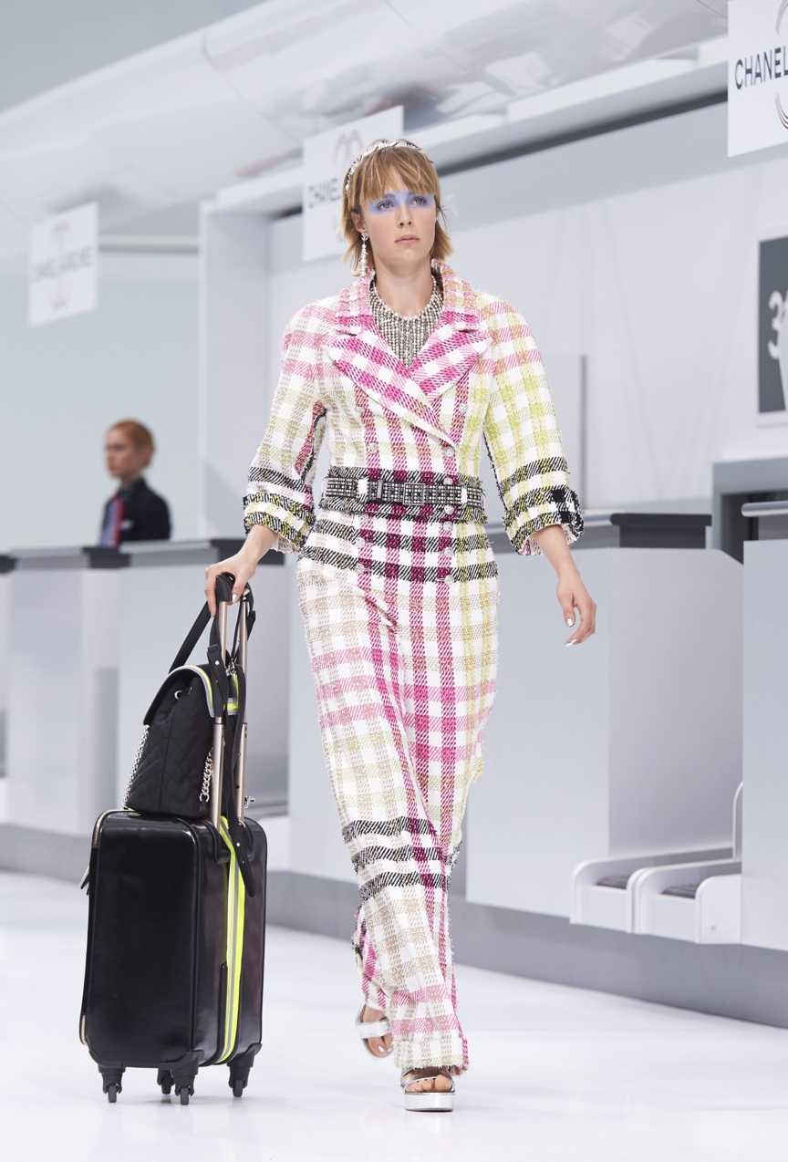 chanel-paris-fashion-week-spring-summer-2016-show-4