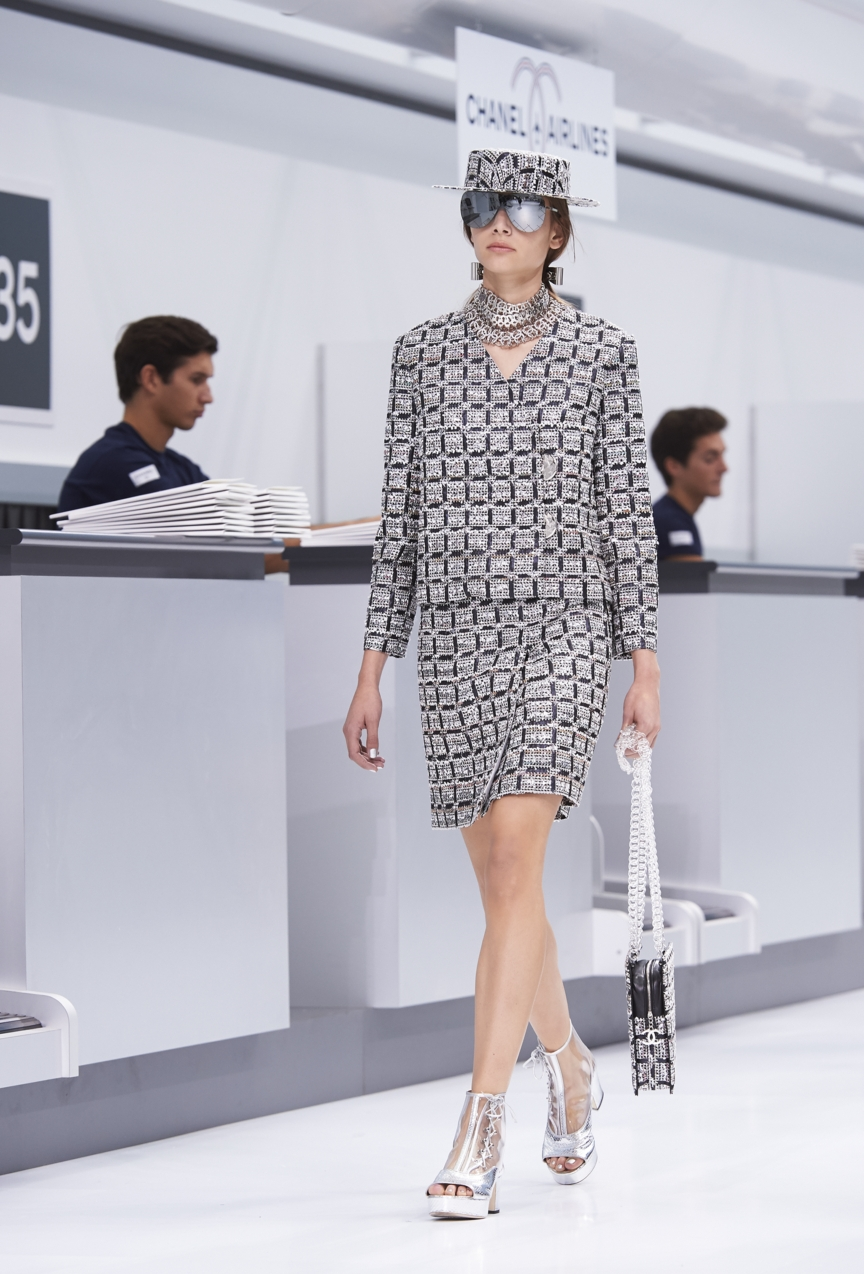 chanel-paris-fashion-week-spring-summer-2016-show-41