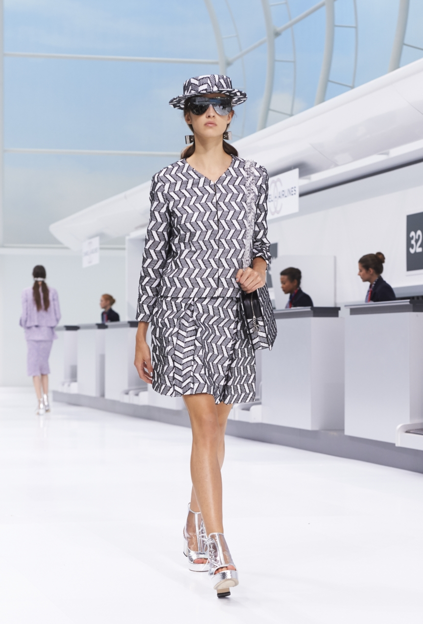 chanel-paris-fashion-week-spring-summer-2016-show-42
