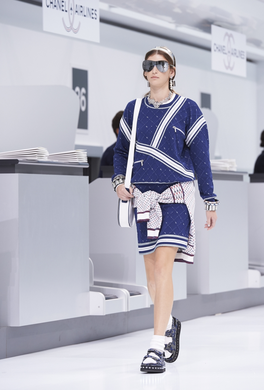 chanel-paris-fashion-week-spring-summer-2016-show-43